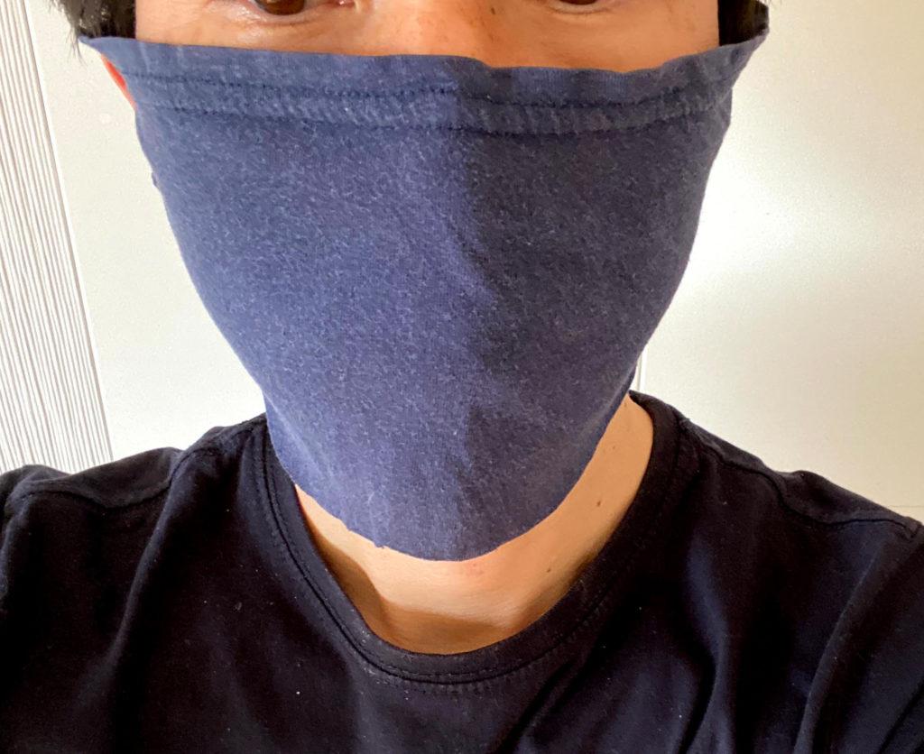 フェイスマスク装着正面